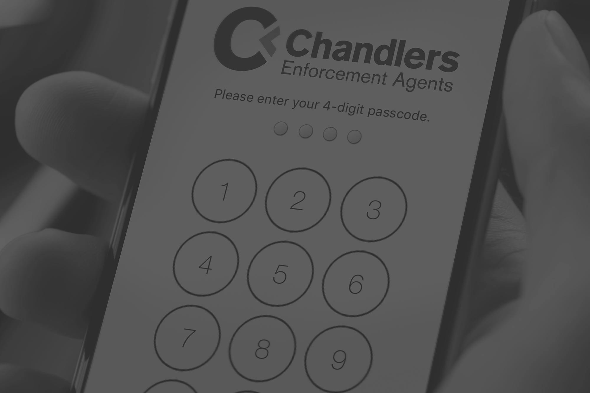 chandlers_close_up_phone_screen_bog_2000x1333